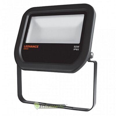 OSRAM© LEDVANCE reflektor 50W/230V fekete, természetes fehér, 3évGar